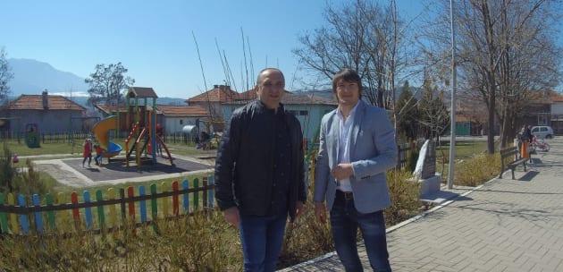(+ВИДЕО) Срещата с жителите на село Яхиново проведоха д-р Александър Паризов и Даниел Александров, кандидати за народни представители от ГЕРБ – СДС