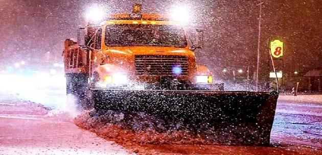 Дежурни автомобили дебнат за проблеми със снега по пътищата в Дупница