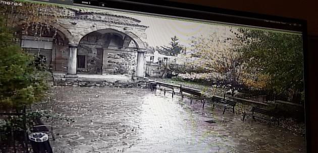 """Младежите, изпочупили двора на """"Джамията"""" в Дупница, предадени на полиция и прокуратура"""