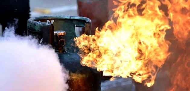 Газова бутилка изби врата на жилище в Кюстендил