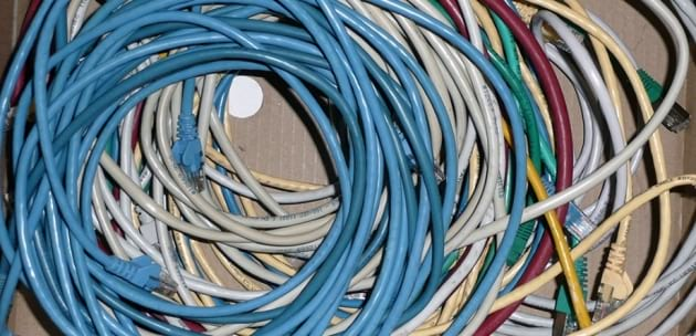 Откраднаха ел.проводници и метални джанти от сервизно хале в Дупница