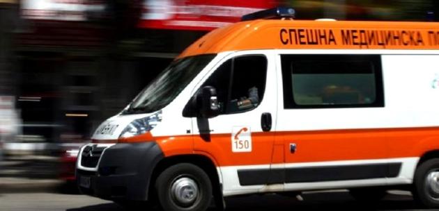 Полицейски автомобил блъсна 25 годишен мъж от Дупница
