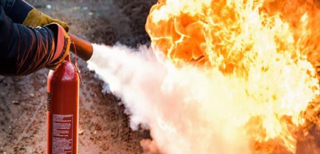 Късо съединение унищожи дограма и покъщнина на дом в Кюстендил