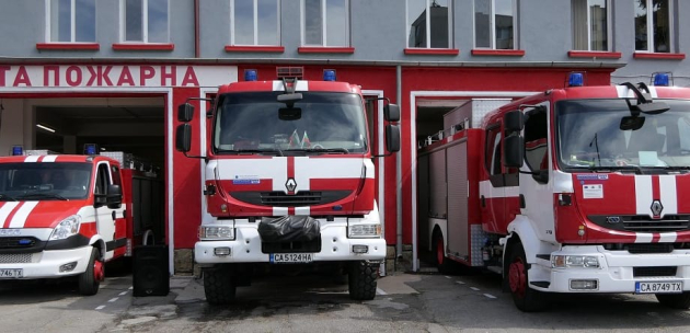 РСПБЗН гасиха пожар в Кюстендил и отводниха на мазе в Дупница