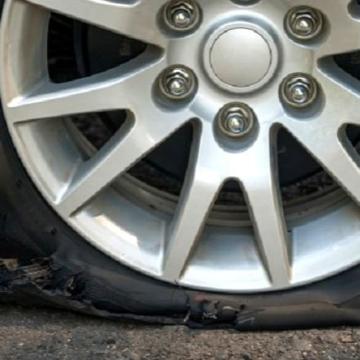 Срязаха гумите и надраскаха вратите на лек автомобил в Дупница