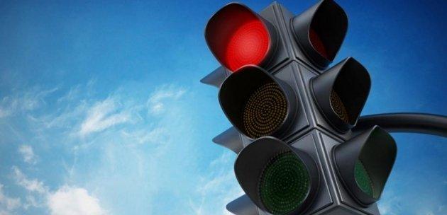 Слагат нова светофарна уредба при старата автогара в Дупница