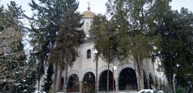 """Поканиха фирма от """"Каваклия"""" да ремонтира църквата """"Св. Георги"""" в Дупница"""