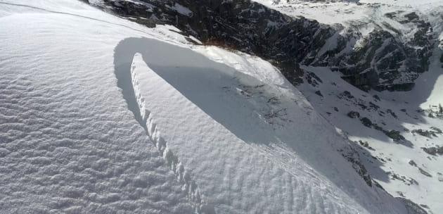 Висока лавинната опасност в планините!