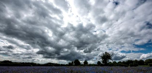Значителна облачност и  превалявания от дъжд