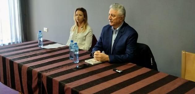 Бившият депутат от БСП Иво Атанасов разисква в Дупница социалната справедливост (+АУДИО)