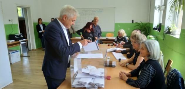 Кметът на Дупница гласува на изборите за Европейски парламент (+АУДИО)